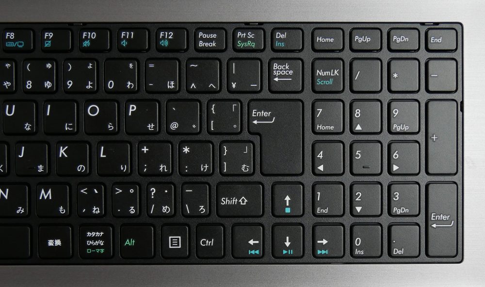 キーボード右のアップ