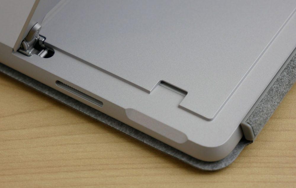 microSDカードスロットなど