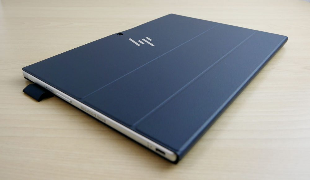 HP ENVY 12 x2をキーボードドッグで包んだところ