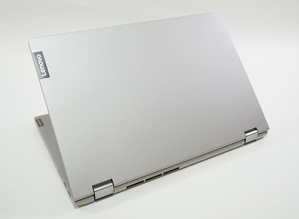 IdeaPad C340 (15)の外観 天板側から斜め上