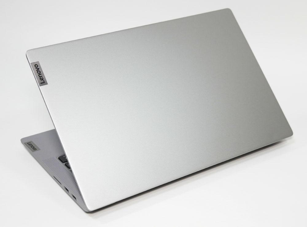 IdeaPad Slim 550 14型の外観 天板側から斜め上